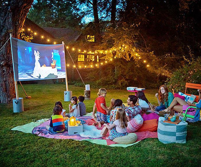 fourth of july activities | 4th of July activities | backyard movie night