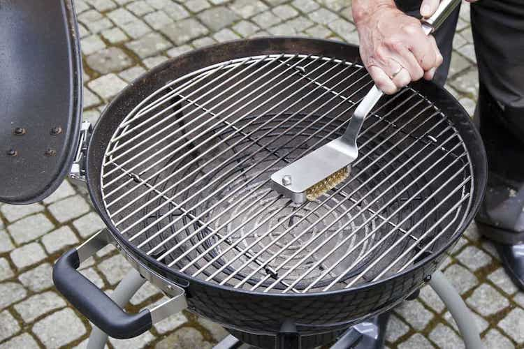 how to clean a grill | best ways to clean a grill | how to clean grill grates