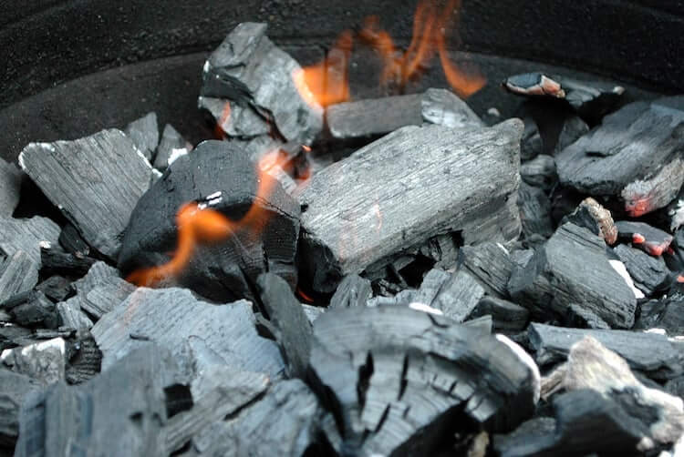 lump charcoal | how to grill with charcoal | how to grill using charcoal